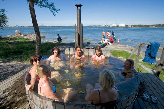 Jacuzzi_Sauna_island_Finland (1)